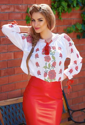 Bluza tip ie romaneasca cu flori rosii