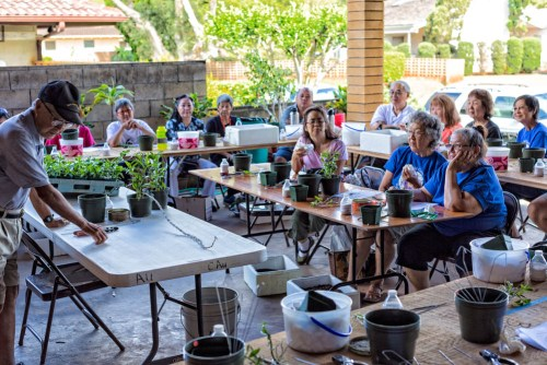The workshop was held at Callman and Frances Au's residence in Mililani Town.  The Au's two car garage was converted into a classroom setting with tables and chairs.