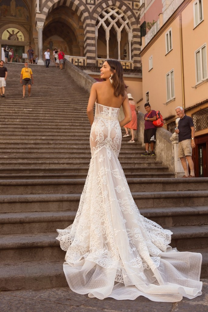 BERTA PRIVÉE heads to the Amalfi Coast in Italy for it's No.3 2020 Bridal Collection featuring Joana Sanz.
