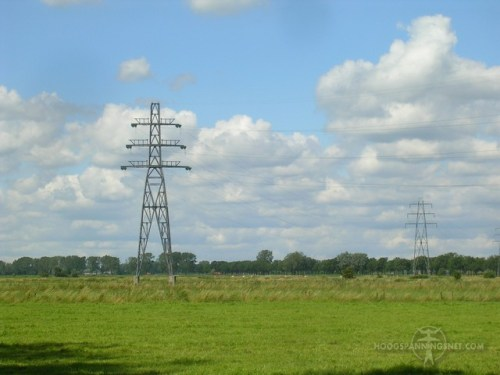 Dunne geleiders aan een oude 50 kV-verbinding