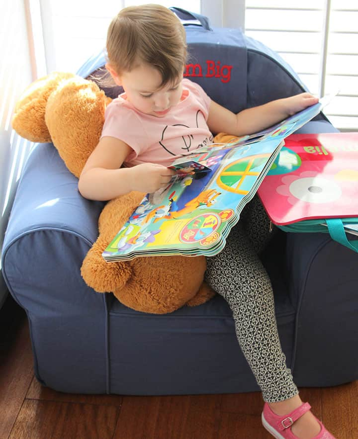 Cool reading corner makes your child wants to read more