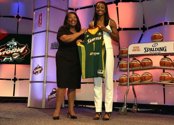 WNBA president Laurel Richie and Jewell Loyd. Photo: Brian Babineau/NBAE/Getty Images.