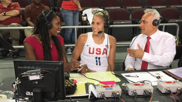 Elena Delle Donne chats with Lisa Leslie and Vince Cellini postgame. Photo: USA Basketball Twitter.