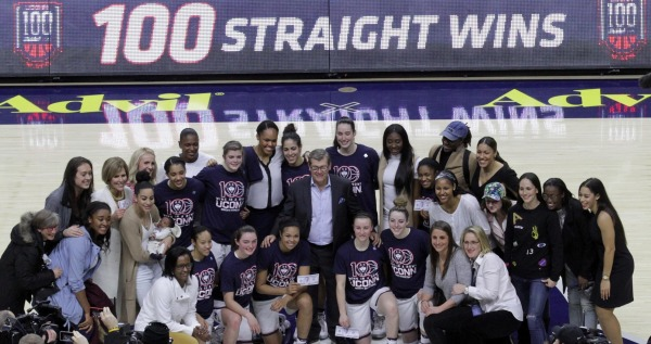 Top-ranked UConn earns 100th consecutive win with 66-55 victory over South Carolina