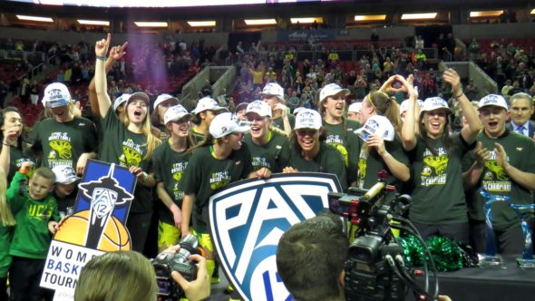 SEATTLE (March 5, 2018) - Oregon beats Stanford for the Pac-12 tournament championship.