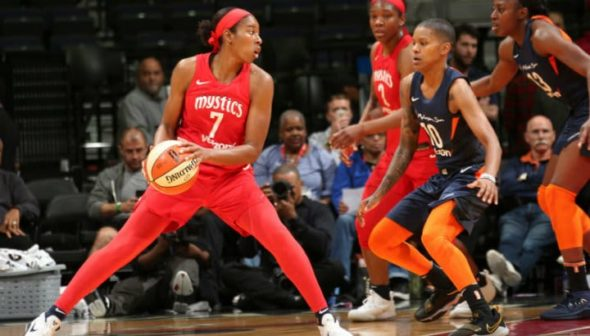 WASHINGTON (June 3, 2018) - Washington's Ariel Atkins vs. Connecticut's Courtney Williams. Photo: NBAE/Getty Images.