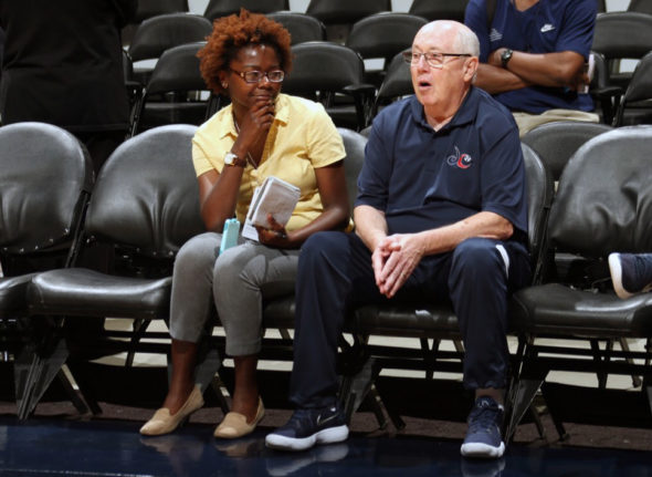 Mike Thibault chats with Hoopfeed write Amber Dodd. Photo: Ned Dishman/NBAE.