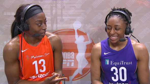 Chiney Ogwumike (left) and her older sister Nneka. Photo: NBAE/Getty Images.
