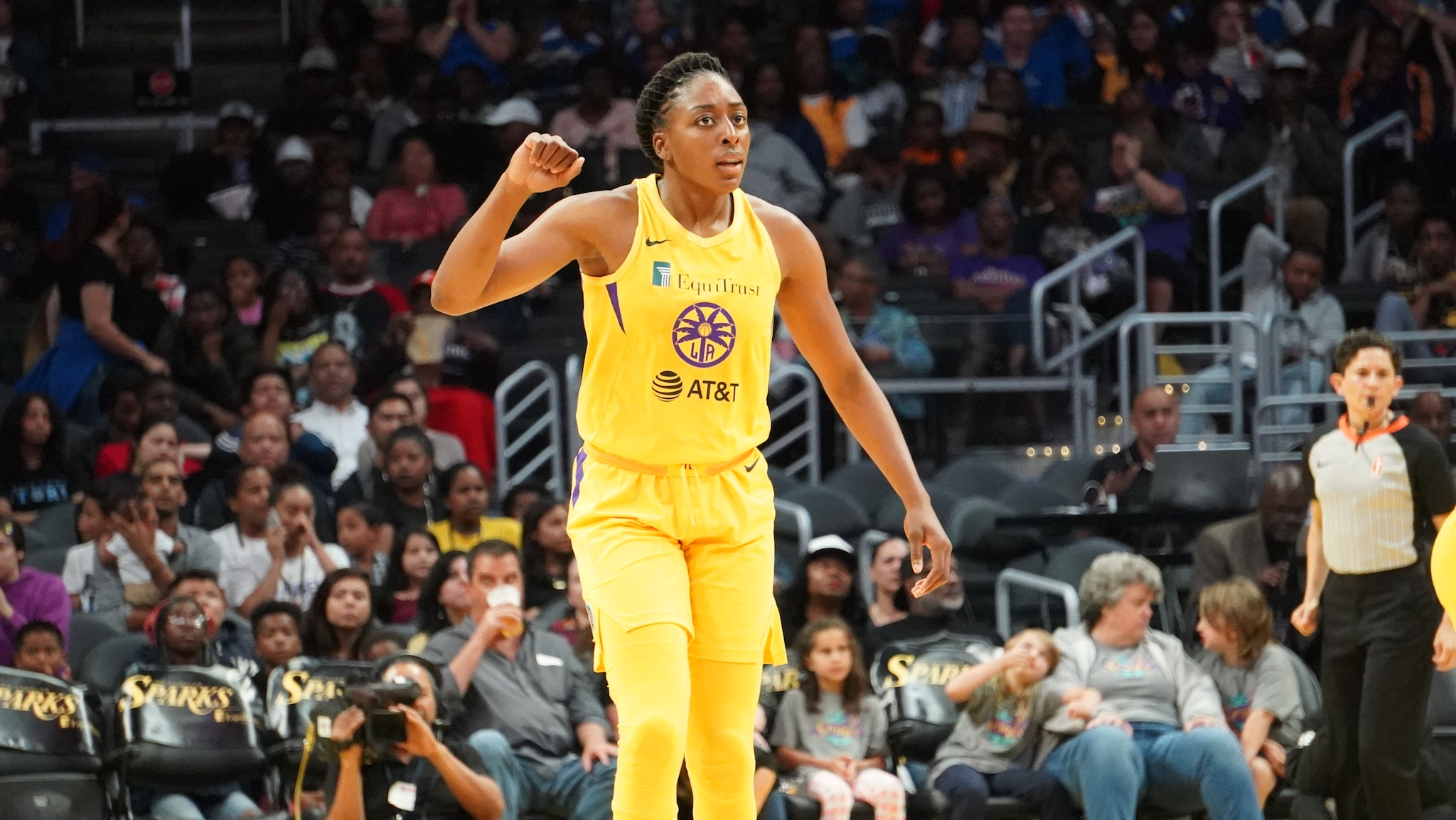 A double dose of Ogwumike helps Los Angeles surge past Connecticut in home opener, 77-70