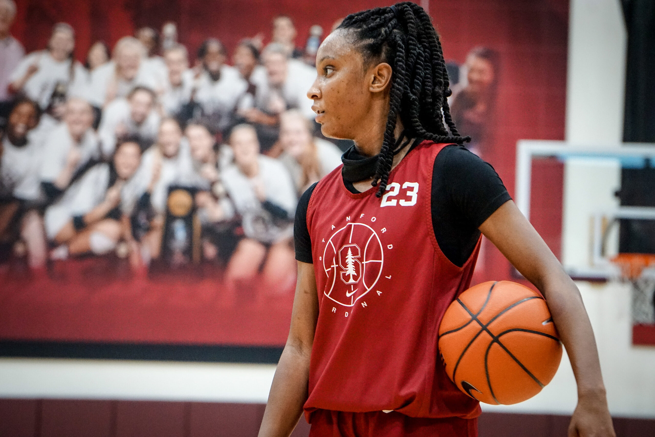 Kiana Williams hits her stride as No. 1 Stanford continues to roll, beats USC 80-60