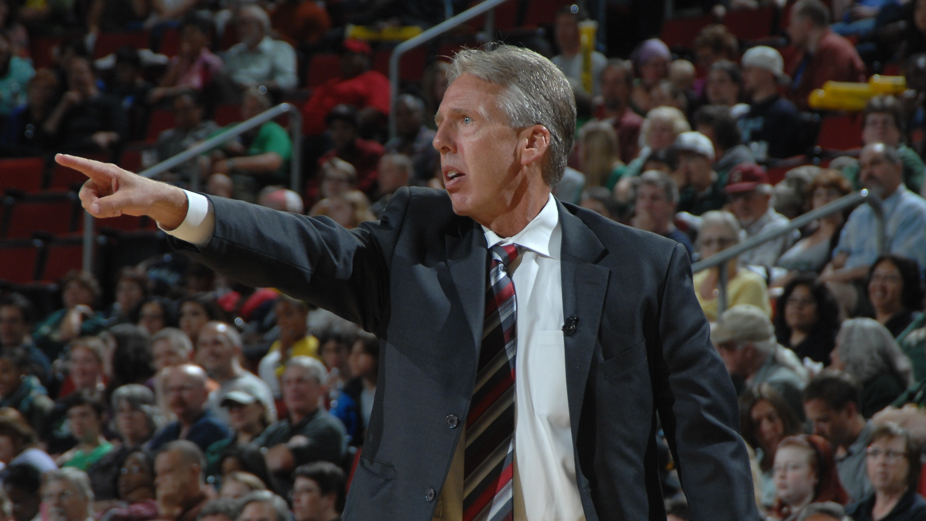Brian Agler leaves the Seattle Storm to coach the Los Angeles Sparks