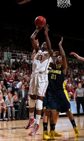 Chiney Ogwumike vs Michigan (via Bob Drebi/ISIPhoto)