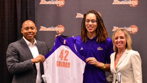 PHOENIX, AZ - APRIL 20: The Phoenix Mercury welcome Brittney Griner #42 of the Phoenix Mercury on April 15, 2013 at U.S. Airways Center in Phoenix, Arizona. NOTE TO USER: User expressly acknowledges and agrees that, by downloading and or using this photograph, user is consenting to the terms and conditions of the Getty Images License Agreement. Mandatory Copyright Notice: Copyright 2013 NBAE (Photo by Barry Gossage/NBAE via Getty Images)