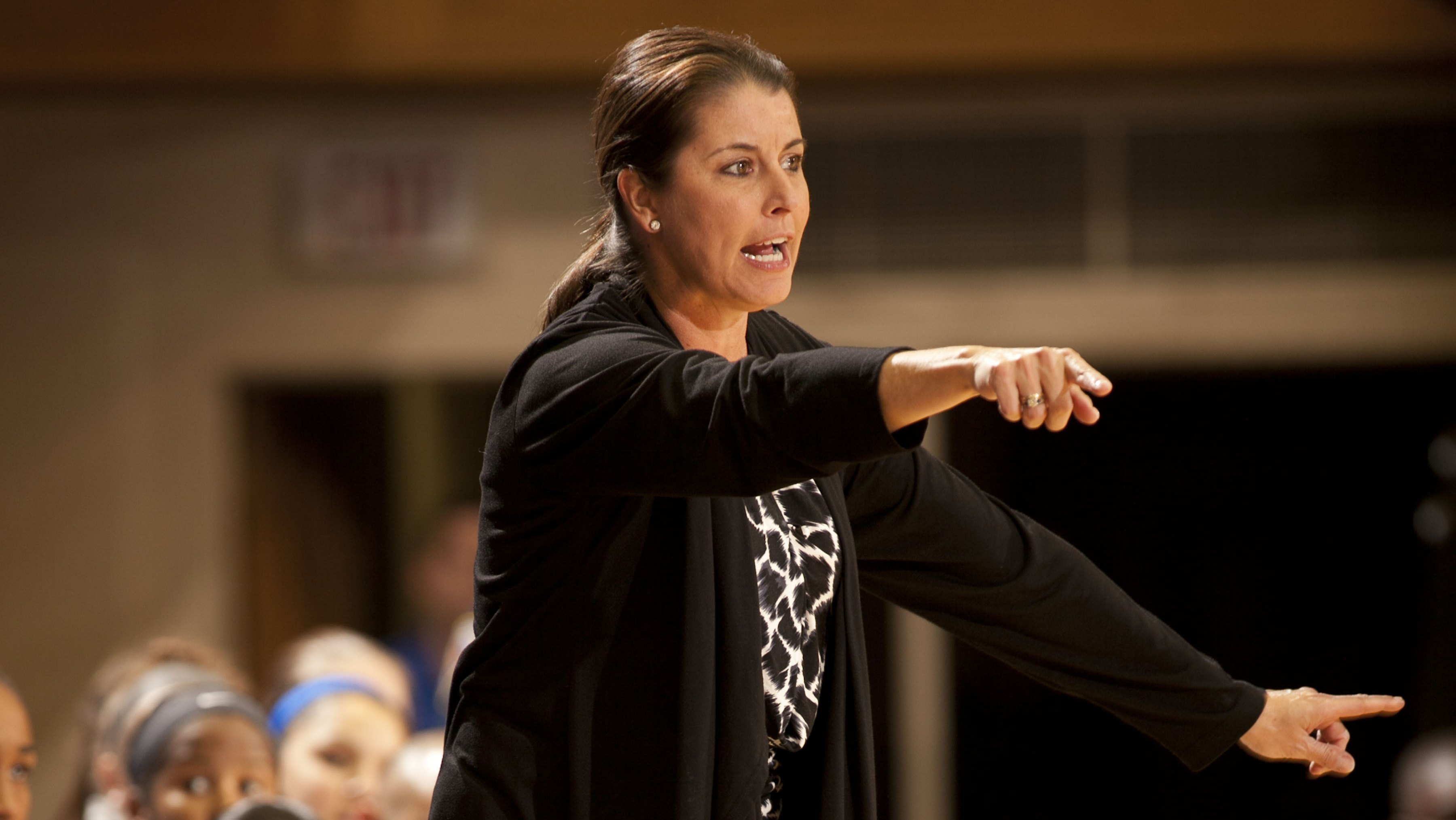 Dishin & Swishin 12/12/13 Podcast: Is #2 Duke ready for #1 UConn? Coach Joanne P. McCallie talks about the Blue Devils and Mechelle Voepel discusses a program seeking a signature win