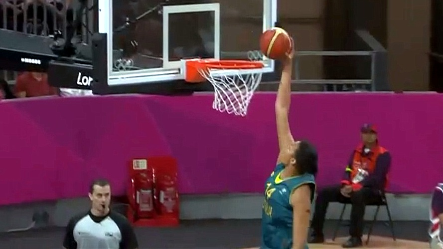 Australian Liz Cambage's dunk in win over Russia is first for women's basketball in Olympic history