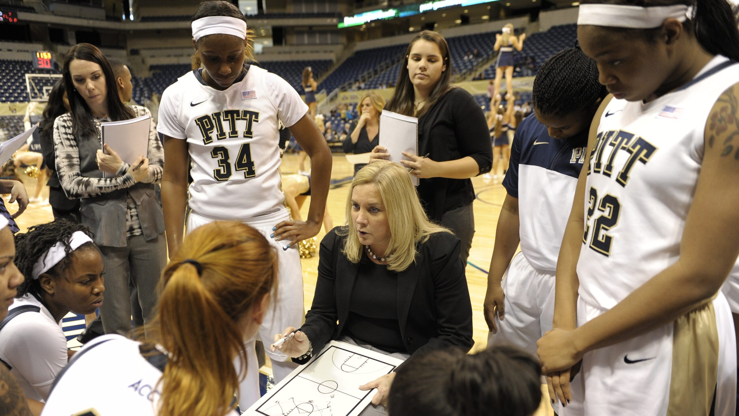 """Dishin & Swishin 11/07/13 Podcast: Different expectations greet """"new"""" head coaches Matt Insell, Mike Neighbors and Suzie McConnell-Serio"""