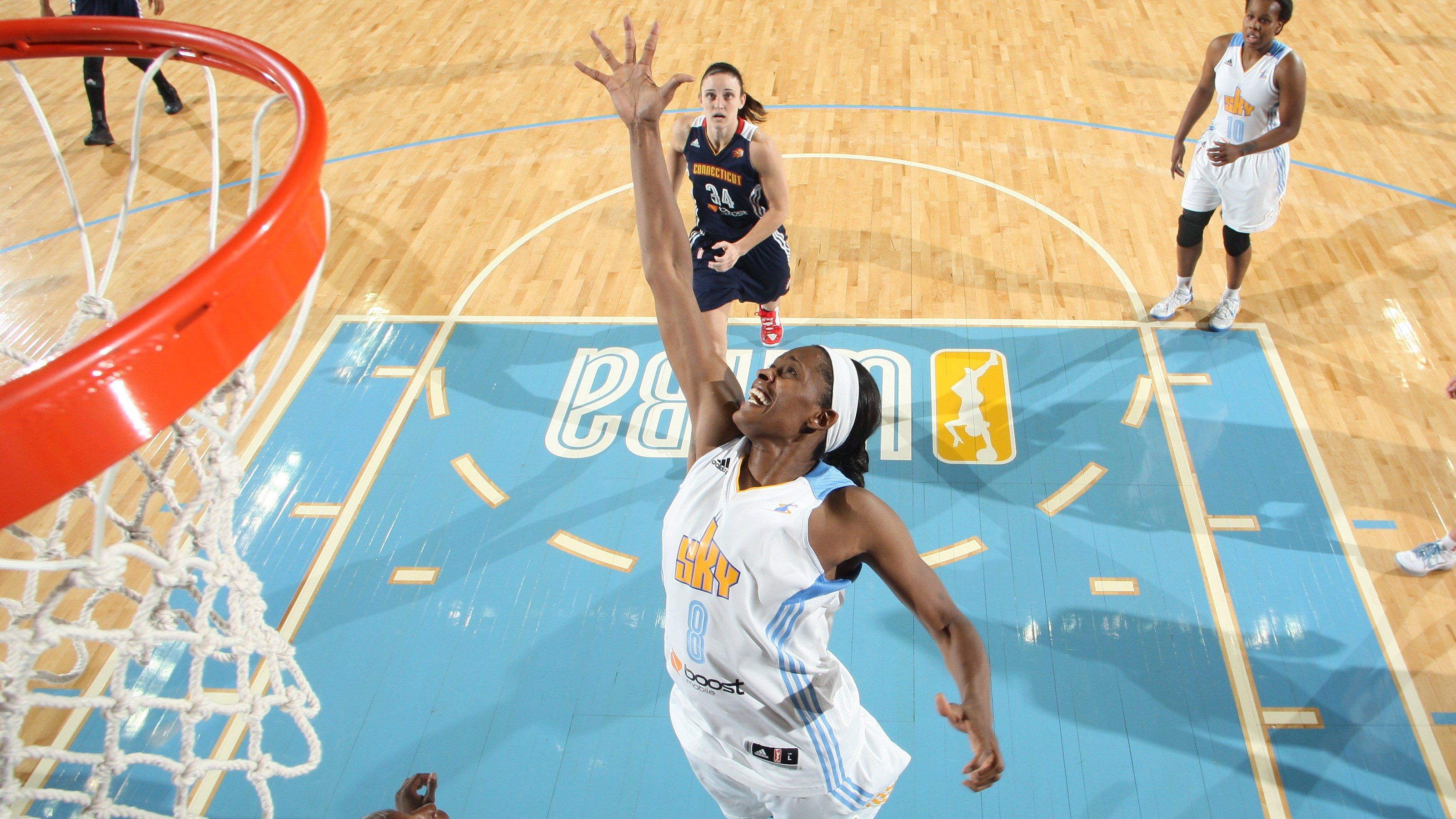 Dishin & Swishin 8/29/13 Podcast: The WNBA Eastern conference – Swin Cash & Chicago are #SkyHigh & Ros Gold-Onwude discusses the final playoff spots