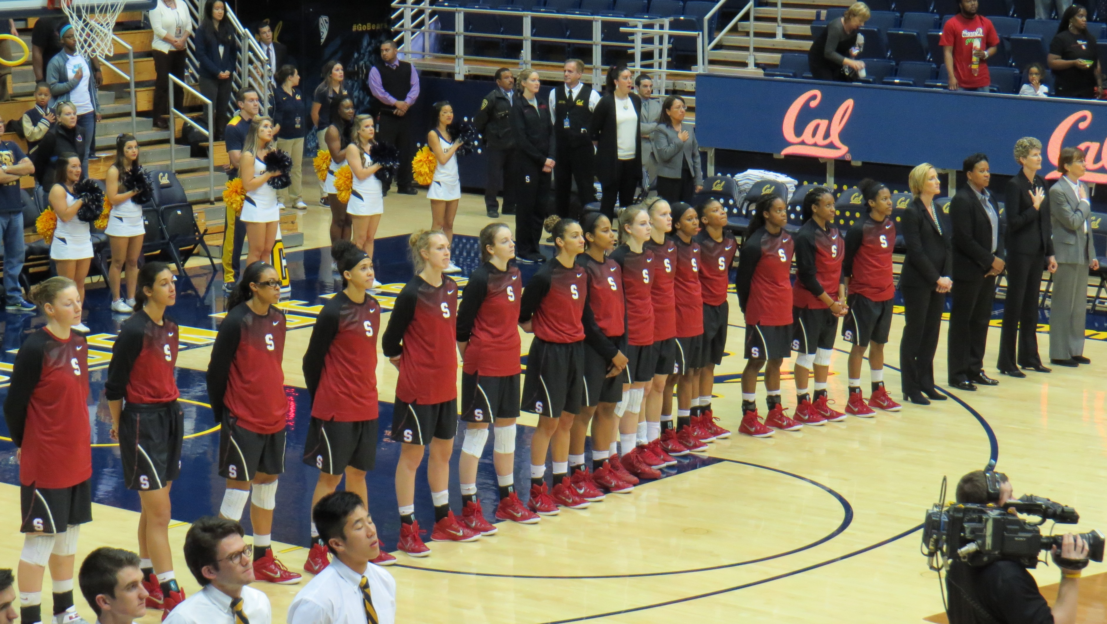 Second half rally and bench spark from Brittany McPhee propel No. 18 Stanford to 59-47 win over Cal