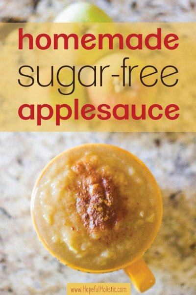 A mug of applesauce with cinnamon and text overlay- homemade sugar-free applesauce