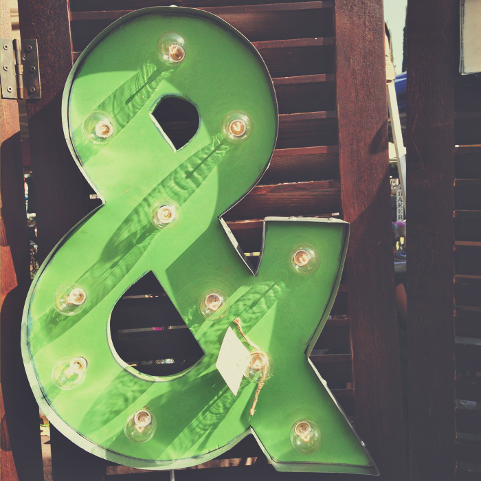 green ampersand