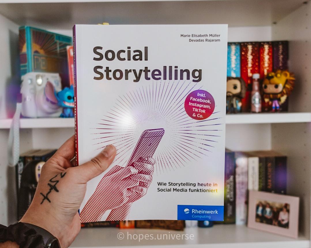 REVIEW ~ Social Storytelling