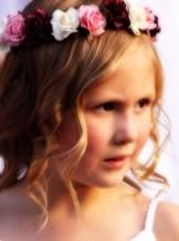 RKM_Garland-Girl