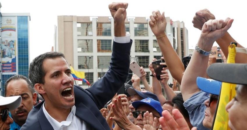 Juan Guaido se declara presidente interino de Venezuela