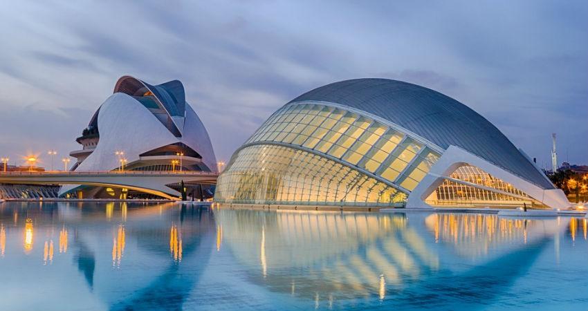 Hacer turismo por Espana