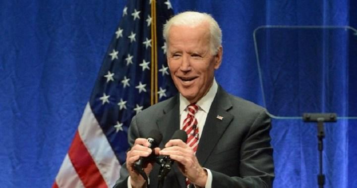 Joe Biden se compromete a respetar el «espacio personal» de las mujeres