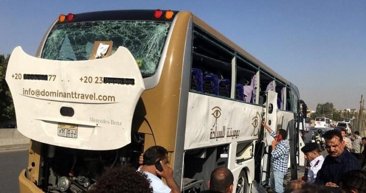 Al menos 17 heridos en una explosión contra un autobús de turistas en Egipto