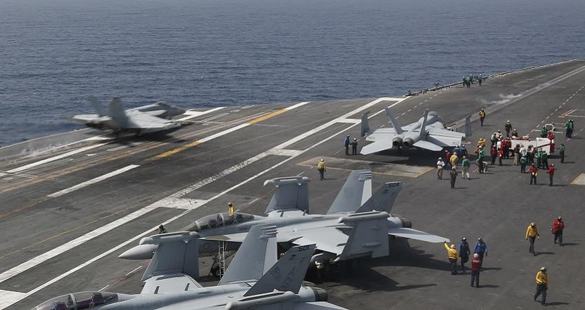 EEUU despliega portaaviones y bombarderos en Oriente Medio