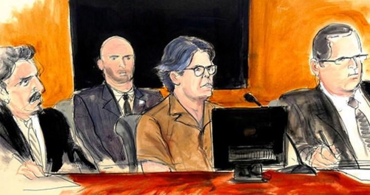 El juicio del Gurú Keith Raniere, acusado de dirigir una secta de esclavos sexuales, comienza en Nueva York