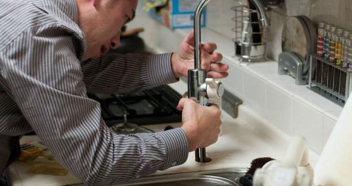 La fontanería y los desagües atascados, la solución de millones de viviendas