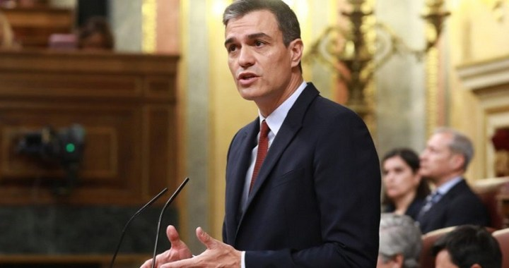 """Sánchez pide a PP y Cs que """"acepten la decisión de las urnas"""" y """"faciliten la formación del Gobierno"""""""