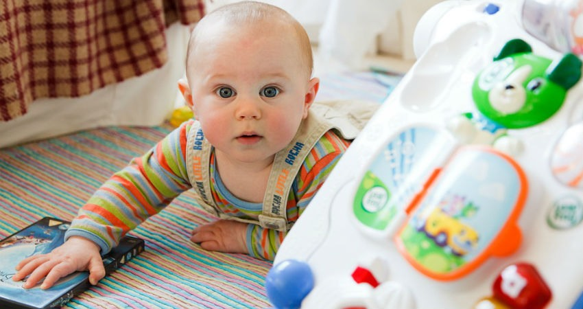 Juguetes y juegos para recién nacidos