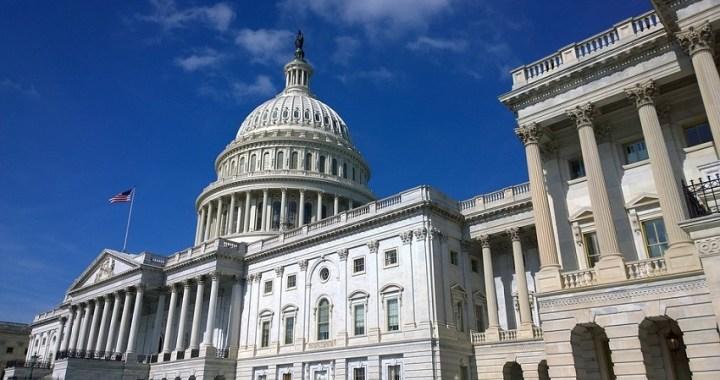 Los republicanos rechazan las enmiendas demócratas en el senado sobre el juicio político a Trump