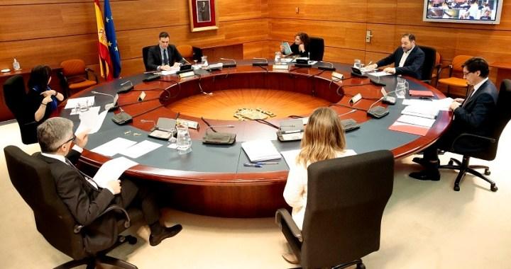 ¿Cuáles son los servicios y actividades esenciales exentos de los permisos retribuidos?