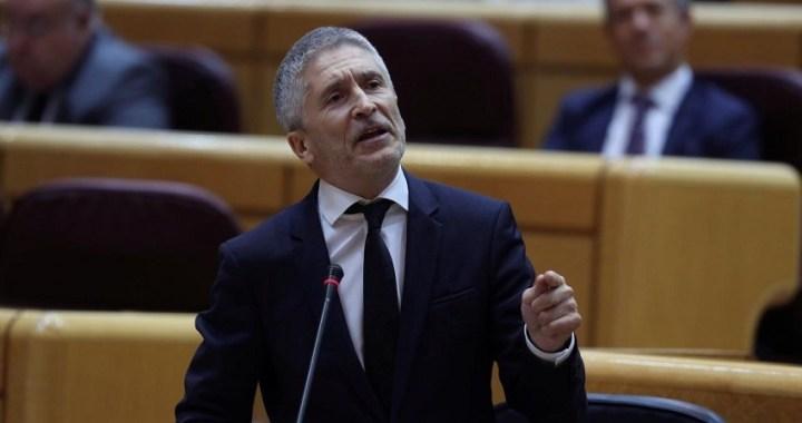 Marlaska dice que no dimite y la oposición le acusa de mentir en sede parlamentaria