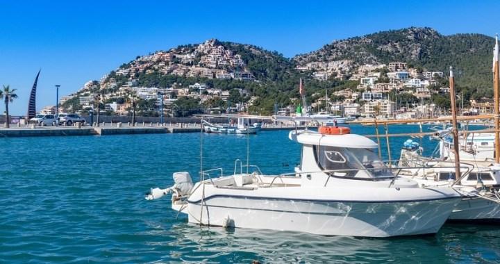 6 lugares del Mediterráneo para visitar en barco