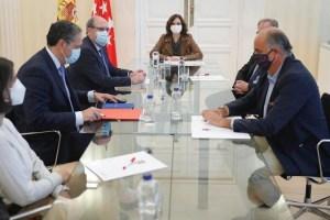 Ayuso exige el fin del Estado de Alarma y reprocha a Illa endurecer los requisitos solo para Madrid
