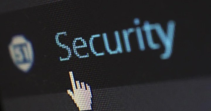 """""""Los gobiernos deben cesar de inmediato el uso de tecnologías de vigilancia que violen los derechos humanos"""": Bachelet"""