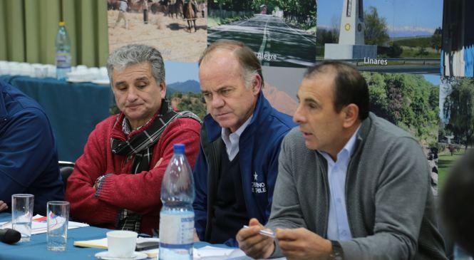 Linares: Ministro Walker anunció 1700 millones en iniciativas para apoyar afectados por cierre de Planta Iansa
