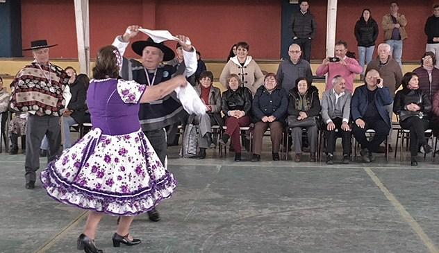 Linares vibró con el zapateo de los Adultos Mayores
