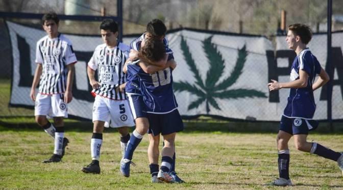 Sapa no pudo descontar a Club Mercedes y acecha  Atlético, a un punto