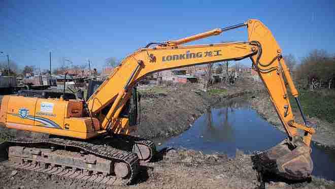 Acumar empezó la limpieza de arroyos en 8 municipios