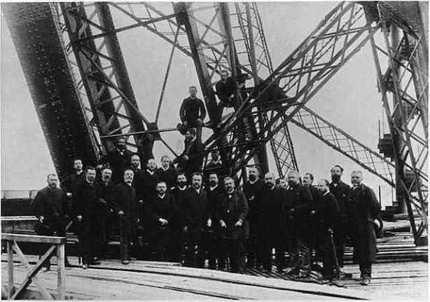 Torre Eiffel Construção - Engenheiros da Equipe