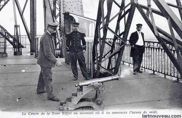 Torre Eiffel Construção - Canhão da Torre quando anunciava o meio dia.