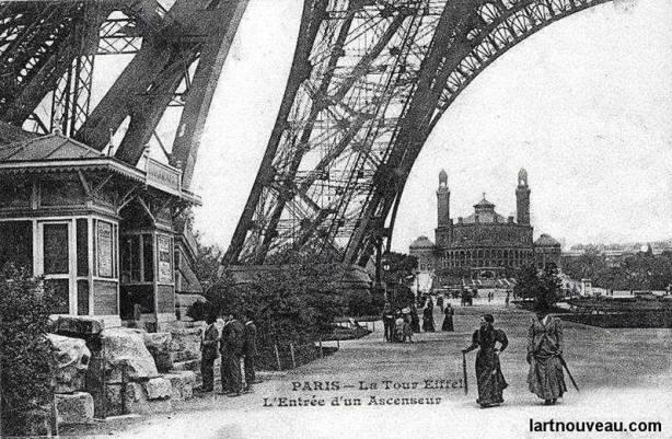 Torre Eiffel Construção - Entrada do Elevador 1889