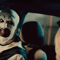 Clown maniaque dans la bande-annonce de Terrifier