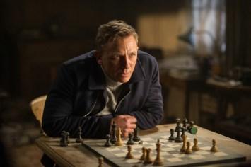 James-Bond-Spectre-screen-2